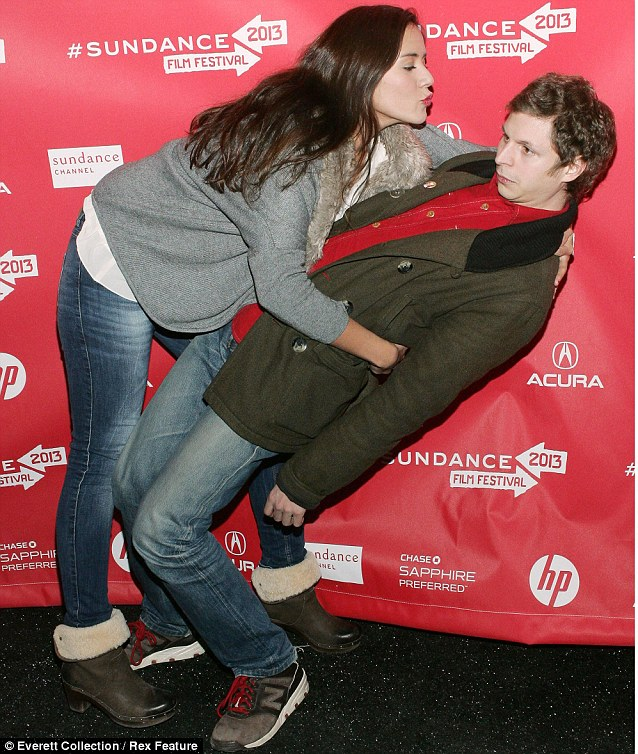 Michael Cera avoids kiss from Catalina Sandino at Sundance. Image Courtesy of www.dailymail.co.uk.