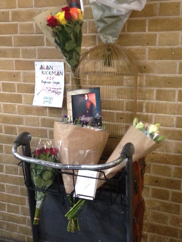 Memorial at King's Cross Station. Image Courtesy of @hogwartslogic.
