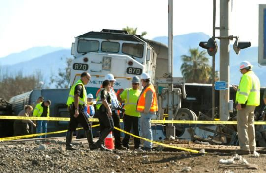 The scene of a Metrolink train that hit a truck and derailed in Oxnard, California. February 2015. Image Courtesy of www.yahoo.com.